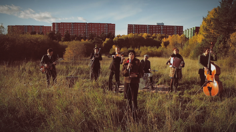 Bandet på ängen (1)